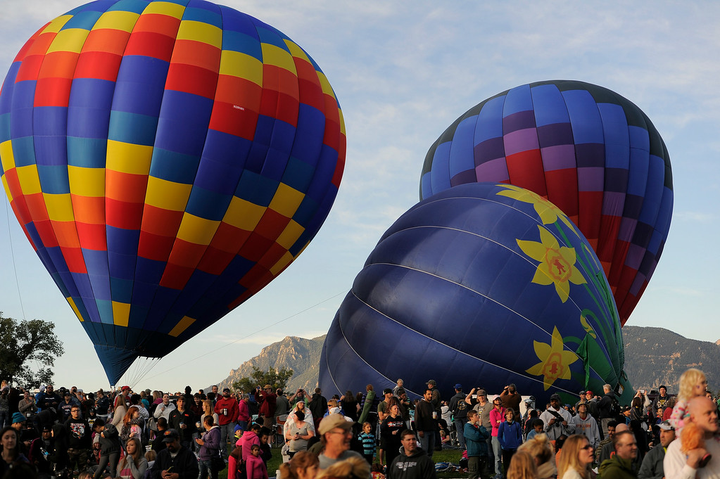 . Hundreds of balloon enthusiasts gather to watch the launch of The 2014 Colorado Balloon Classic in its 38th Year on Sunday, August 31, 2014 at Memorial Park.   (Photo by John Leyba/The Denver Post)