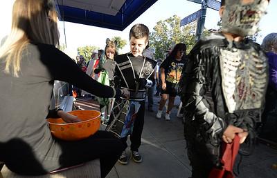 VAC-L-Halloween Stroll-1101-011