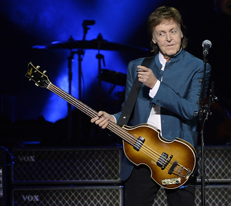 VAC-L-Paul McCartney-1006-011