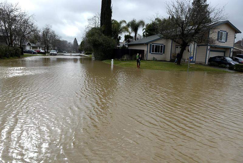 VAC-L-Tuesday Flooding-0208-006