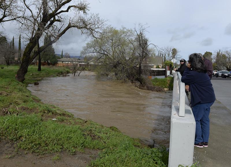 VAC-L-Tuesday Flooding-0208-007