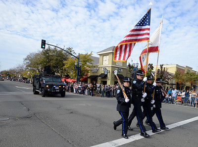 VAC-L-Veteran's Day Parade-1112-001