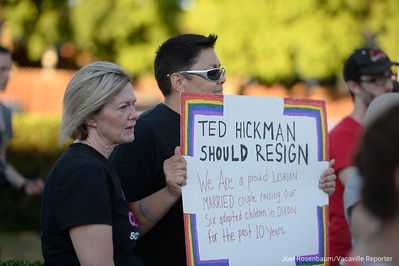VAC-L-Hickman Protest-0712-020