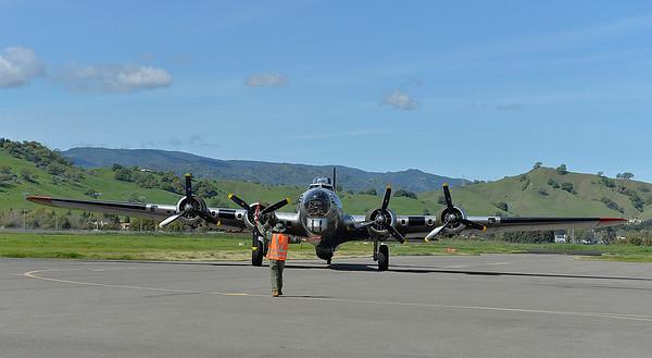 VAC-L-B-17 at the Nut Tree-0317