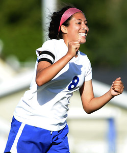 VAC-L-WOOD_GIRLS_SOCCER_vs_OAK_RIDGE-0512