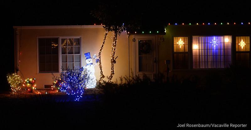 VAC-L-Christmas Displays-1222-005