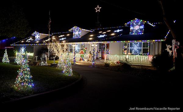 22.12.2017 Christmas Displays of Solano County