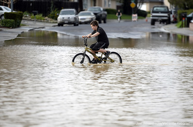 VAC-L-Tuesday Flooding-0208-004