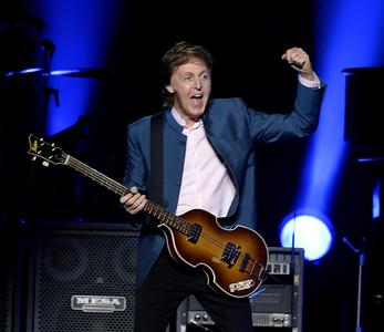 VAC-L-Paul McCartney-1006-007