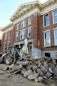 Erica Miller @togianphoto - The Saratogian.      Construction started in June at the Malta Ave Elementary School. New steel beams were placed into the building as they gutted all the interior. Supports were built to keep the exterior of the building in-tacked. New steel beams will be placed in while building all three stories classrooms.       SAR-l-MaltaAveElem4