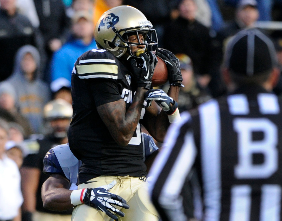 . BOULDER, CO - NOVEMBER 16: CU\'S Paul Richardson (6) comes down with the catch. The University of Colorado football team takes on the University of California in the first quarter at Folsom Field in Boulder. (Photo by Kathryn Scott Osler/The Denver Post)