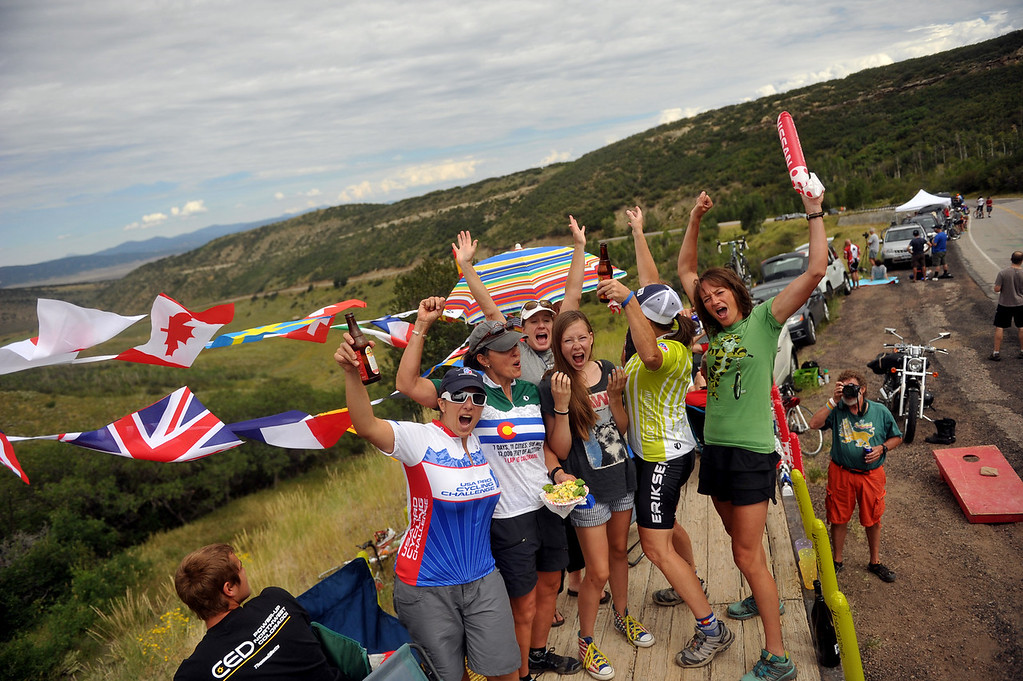 . Fans cheer the cyclists by the hill of first KOM during the 103.7-mile fourth stage of 2013 USA Pro Challenge race from Steamboat Springs to Beaver Creek, Colorado. August 22, 2013. (Photo by Hyoung Chang/The Denver Post)
