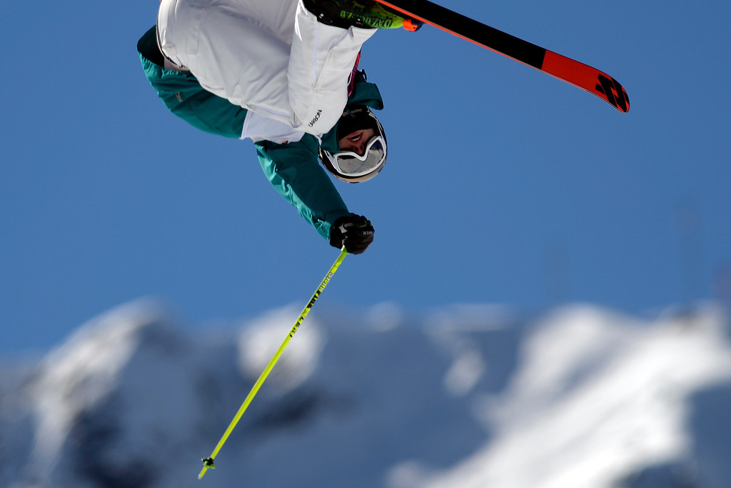 . Australia\'s Russ Henshaw rotates during the men\'s ski slopestyle final at the Rosa Khutor Extreme Park. (Photo by AAron Ontiveroz/The Denver Post)