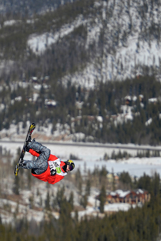 . Chas Guldemond rides during the men\'s snowboard slopestyle at Breckenridge Ski Resort on Sunday, December 15, 2013.  (Photo by AAron Ontiveroz/The Denver Post)