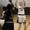 Lynn011419-Owen-girls basketball english new mission01