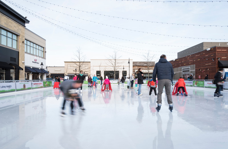 MarketStreet ice skating 2