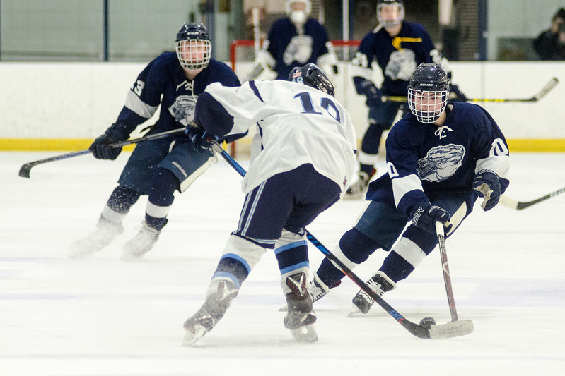 Peabody vs. Lynnfield boys hockey02