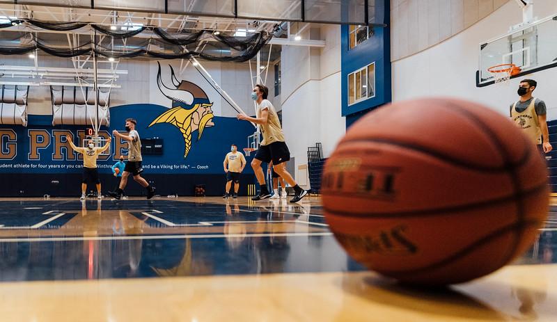 1 6 21 Winthrop boys basketball practice 2