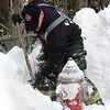 Lynn010818-Owen-firefighters shovel-hydrants5