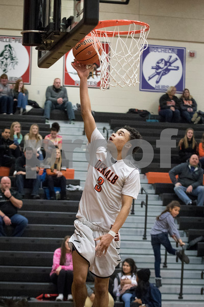 Sam Buckner for Shaw Media.<br /> Isaiah Youngquist makes a layup on Friday January 5, 2018.