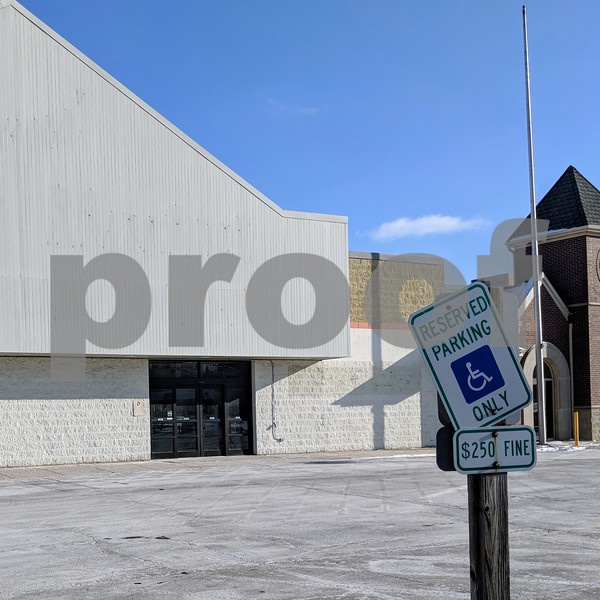 The old Browns' Country Market space, seen Jan. 5, has been empty since 2013. The Sycamore Plan Commission will hear a proposal Monday that includes a storage business and a coffee shop.