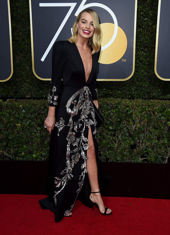. Margot Robbie arrives at the 75th annual Golden Globe Awards at the Beverly Hilton Hotel on Sunday, Jan. 7, 2018, in Beverly Hills, Calif. (Photo by Jordan Strauss/Invision/AP)