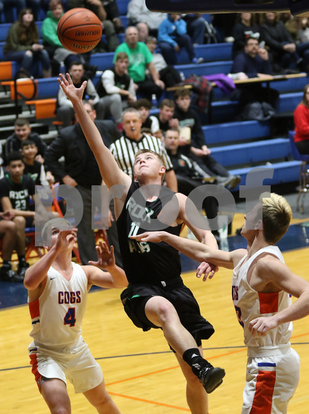 dc.sports.0109.rf gk basketball04