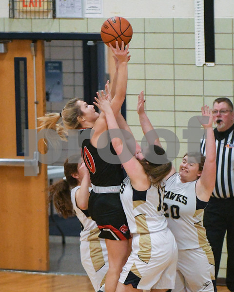 dc.sports.0110.ic hia girls basketball 04