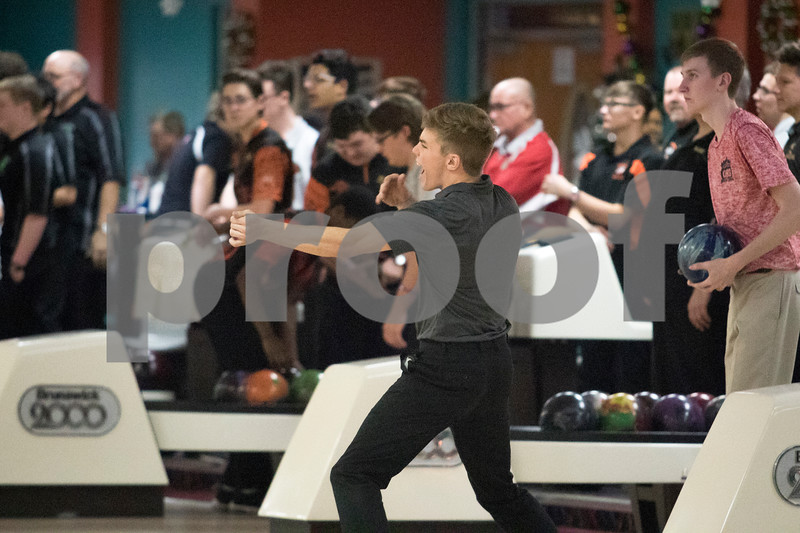 Sam Buckner for Shaw Media.<br /> Austin Verhaeghe celebrates a strike on Thursday January 11, 2018 during the NIB12 conference meet.