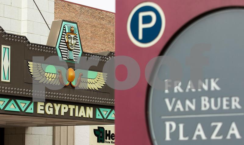 dnews_0112_Egyptian_Theatre_03