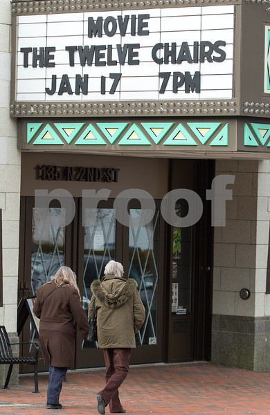 dnews_0112_Egyptian_Theatre_02