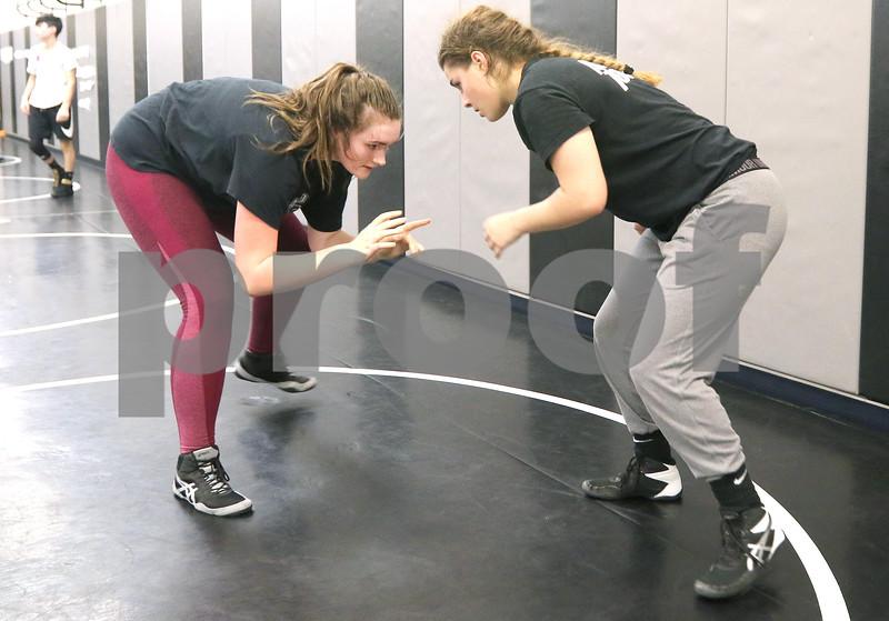 dc.0120.girls wrestling05