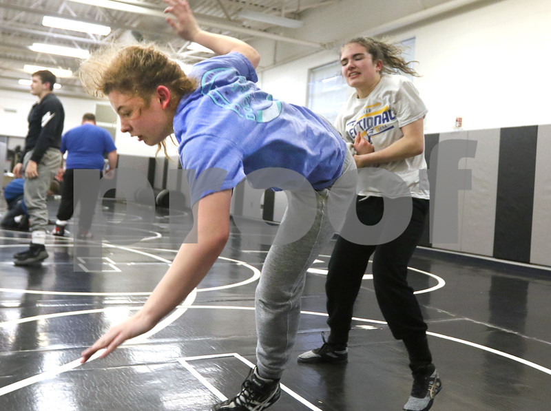 dc.0120.girls wrestling10