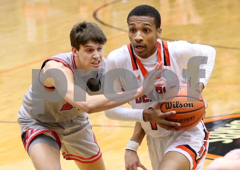 dc.sports.0117.dekalb basketball vs yorkville03