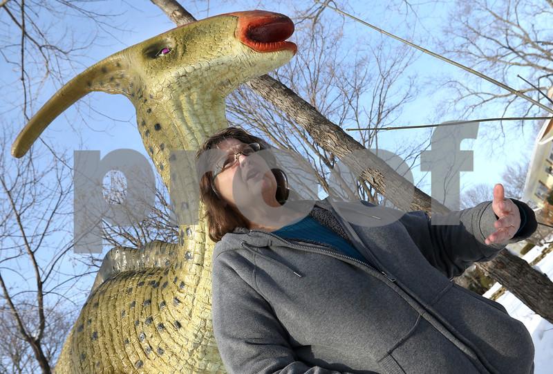 dc.0117.dinosaur02