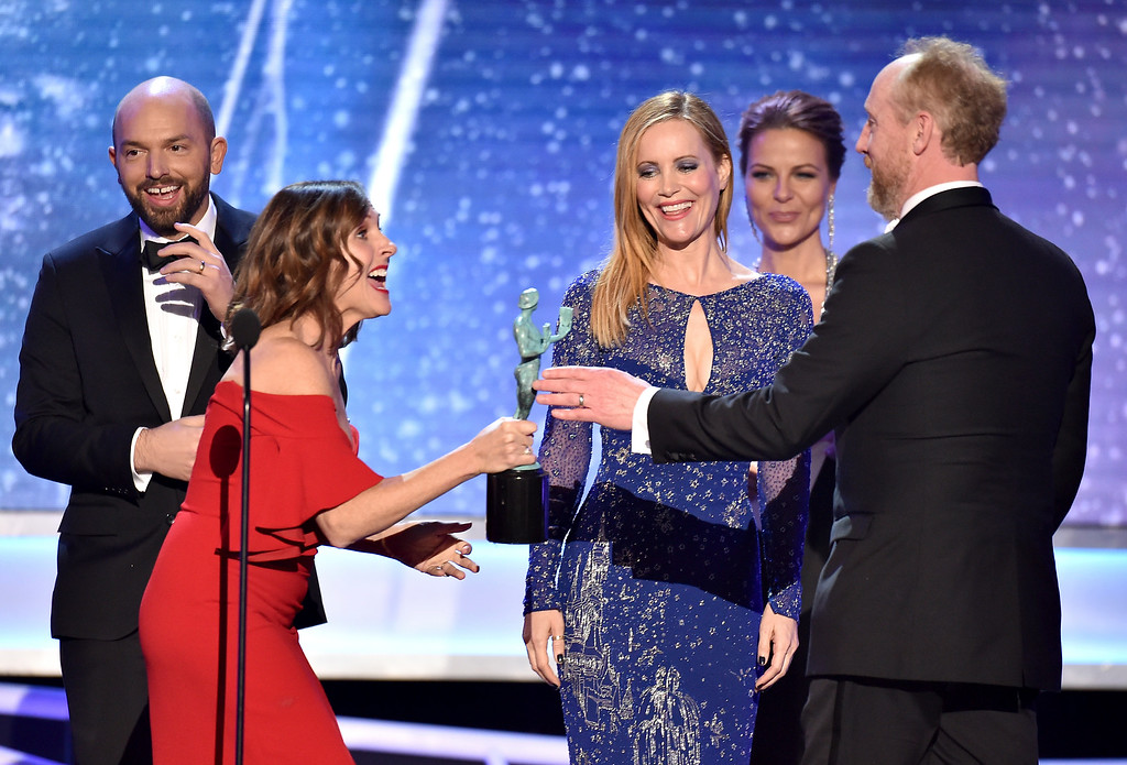 ". Molly Shannon, from second left, and Leslie Mann, present Matt Walsh, right, and Paul Scheer, left, with the award for outstanding ensemble in a comedy series for ""Veep\"" at the 24th annual Screen Actors Guild Awards at the Shrine Auditorium & Expo Hall on Sunday, Jan. 21, 2018, in Los Angeles. (Photo by Vince Bucci/Invision/AP)"
