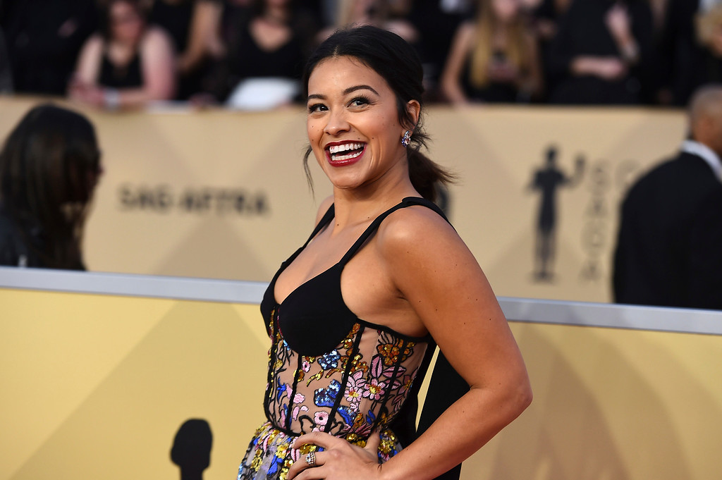 . Gina Rodriguez arrives at the 24th annual Screen Actors Guild Awards at the Shrine Auditorium & Expo Hall on Sunday, Jan. 21, 2018, in Los Angeles. (Photo by Jordan Strauss/Invision/AP)