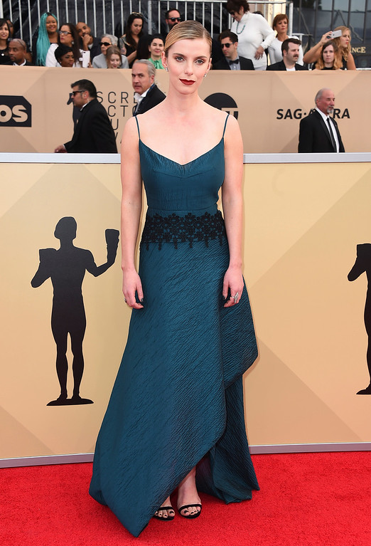 . Betty Gilpin arrives at the 24th annual Screen Actors Guild Awards at the Shrine Auditorium & Expo Hall on Sunday, Jan. 21, 2018, in Los Angeles. (Photo by Jordan Strauss/Invision/AP)