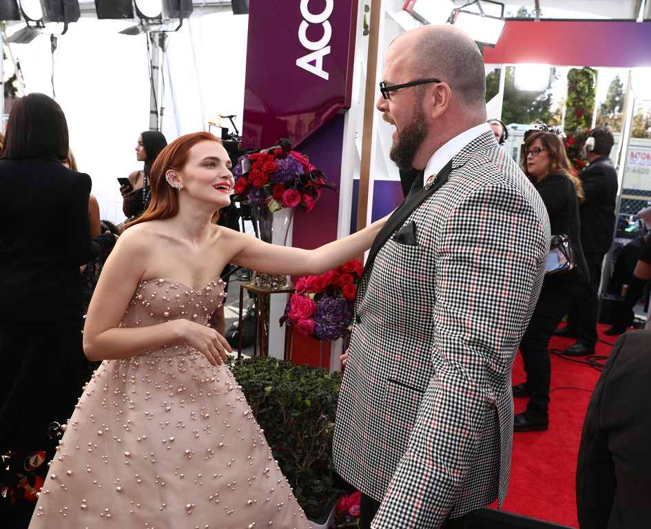 . Madeline Brewer, left, and Chris Sullivan arrive at the 24th annual Screen Actors Guild Awards at the Shrine Auditorium & Expo Hall on Sunday, Jan. 21, 2018, in Los Angeles. (Photo by Matt Sayles/Invision/AP)