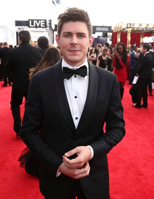 . Chris Lowell arrives at the 24th annual Screen Actors Guild Awards at the Shrine Auditorium & Expo Hall on Sunday, Jan. 21, 2018, in Los Angeles. (Photo by Matt Sayles/Invision/AP)