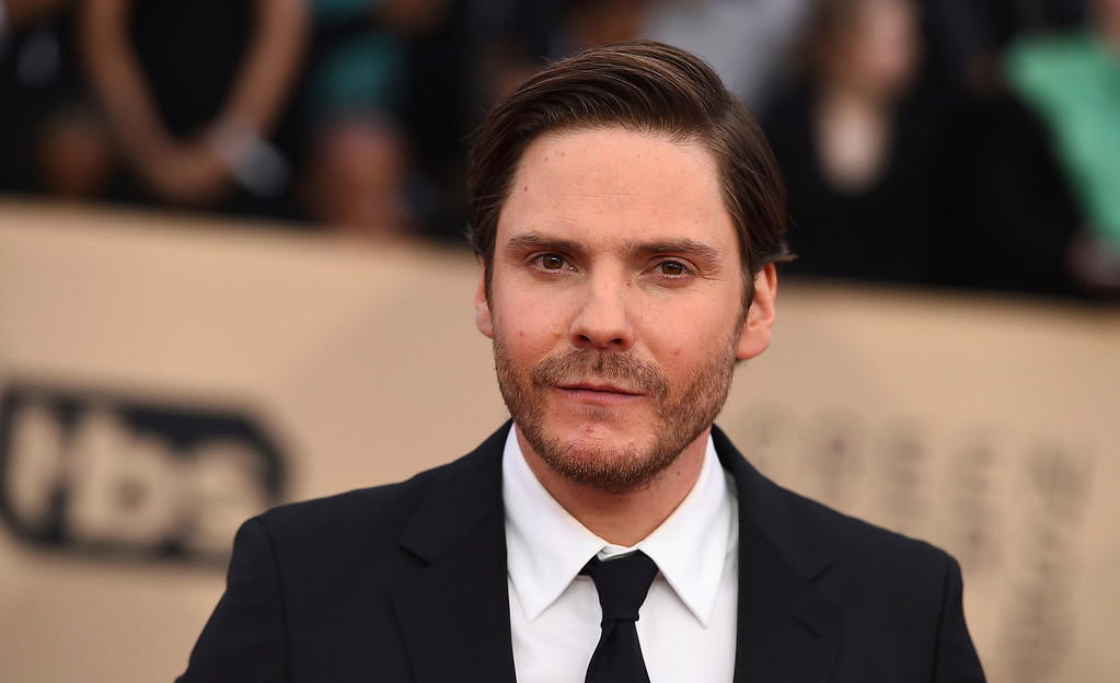 . Daniel Bruhl arrives at the 24th annual Screen Actors Guild Awards at the Shrine Auditorium & Expo Hall on Sunday, Jan. 21, 2018, in Los Angeles. (Photo by Jordan Strauss/Invision/AP)