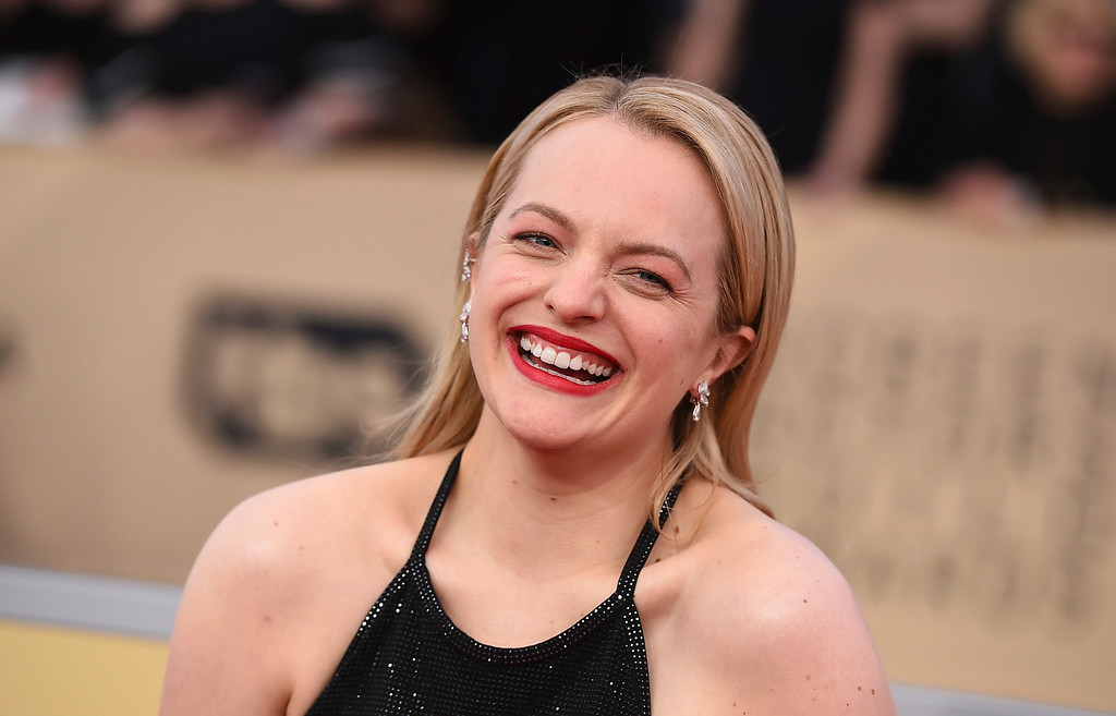 . Elisabeth Moss arrives at the 24th annual Screen Actors Guild Awards at the Shrine Auditorium & Expo Hall on Sunday, Jan. 21, 2018, in Los Angeles. (Photo by Jordan Strauss/Invision/AP)