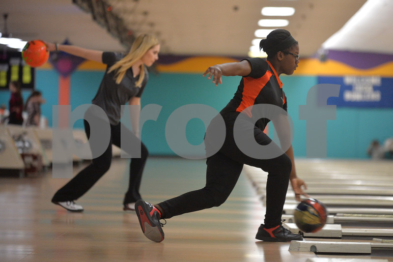 dspt_wed_124_dek_syc_bowling5
