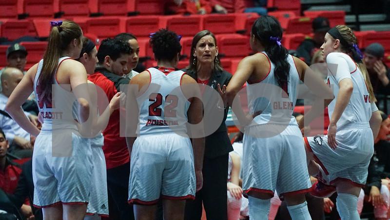 dc.sports.0126.niu women
