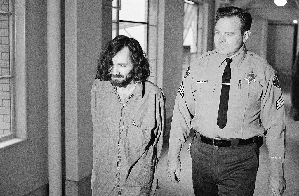 . Charles Manson is shown going to court, Aug. 18, 1970. (AP Photo/George Brich)