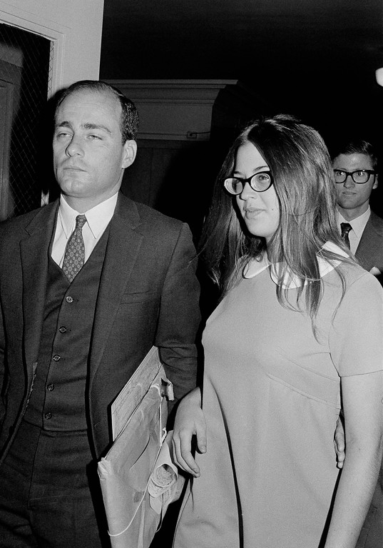 ". Barbara Hoyt, 19, former member of Charles Manson\'s hippie ""family\"" arrives at court in Los Angeles to testify as a prosecution witness in the Tate-La Bianca murder trial, Sept. 23, 1970.  Hoyt claims she ate a hamburger at the airport in Honolulu which she believes was seasoned with a near-lethal dose of LSD by a woman member of the \""family\"".  She lived with the Manson \""family\"" at the time Ms. Tate and six others were killed. Man at left is unidentified. (AP Photo/Wally Fong)"