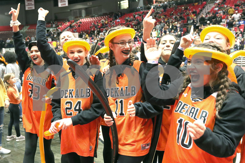 dc.sports.0201.dek sycamore girls06