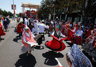 Dancers with the Haryanvi Bay Area Association perform during the India Day parade Sunday, Aug. 14, 2016, on Paseo Padre Parkway in Fremont, Calif. (Karl Mondon/Bay Area News Group)