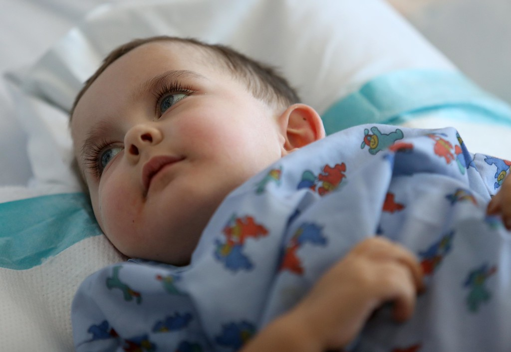 . Matthew Ouimet,  2, continues to recover from a liver and kidney transplant at UCSF Benioff Children\'s Hospital in San Francisco, Calif., on Wednesday, June 19, 2013.   (Jane Tyska/Bay Area News Group)