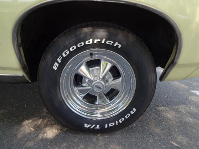 Original wheels on the 1968 Pontiac GTO convertible.    (Photo by David Krumboltz)